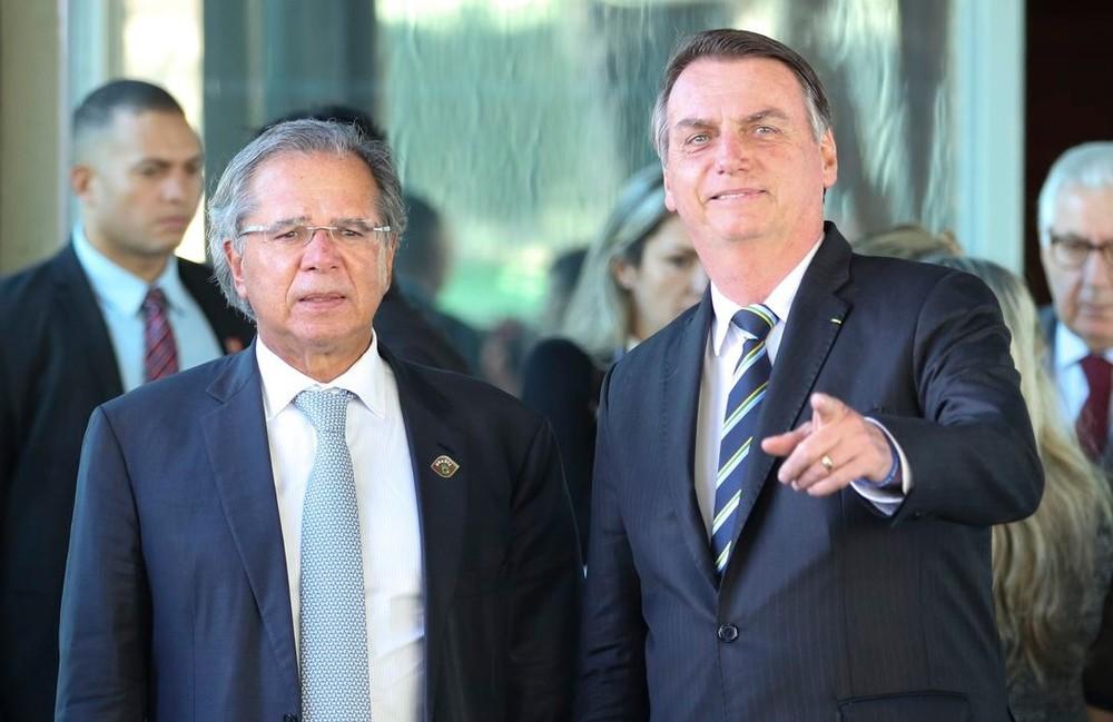 Para atender a Bolsonaro, equipe econômica deve incluir mudança no IR na reforma tributária