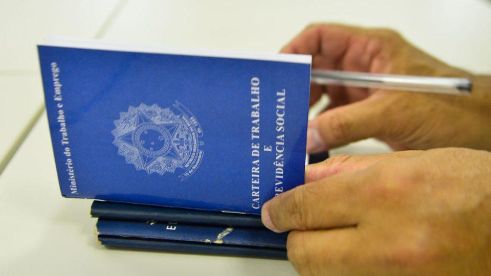 Imposto sobre seguro-desemprego passa a valer em março